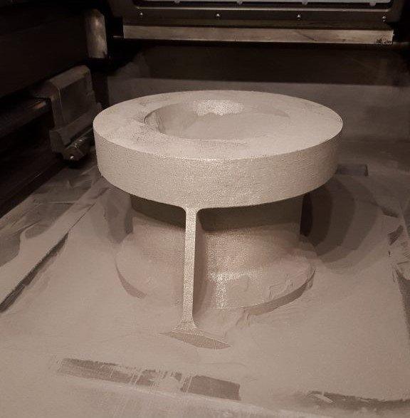 Напечатанная на 3D-принтере титановая деталь самолета
