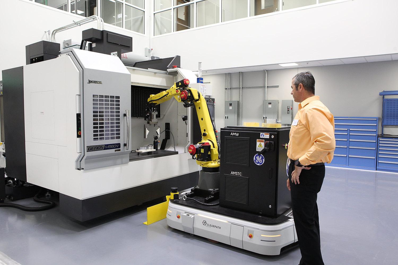 Робот на производстве General Electric
