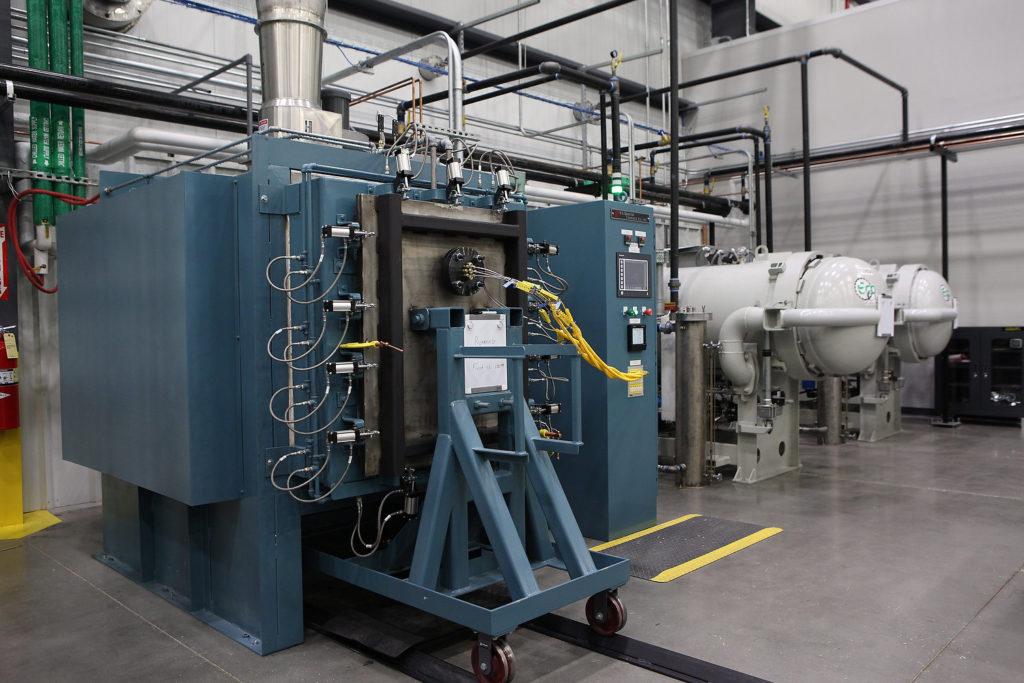Оборудование для изготовления деталей из керамоматричных композитов