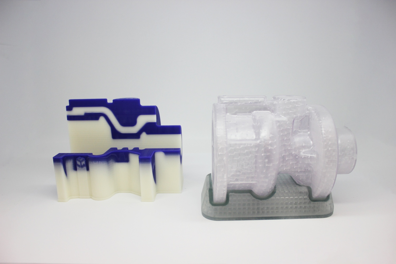 Восковая и фотополимерная модели, напечатанные на 3D-принтерах