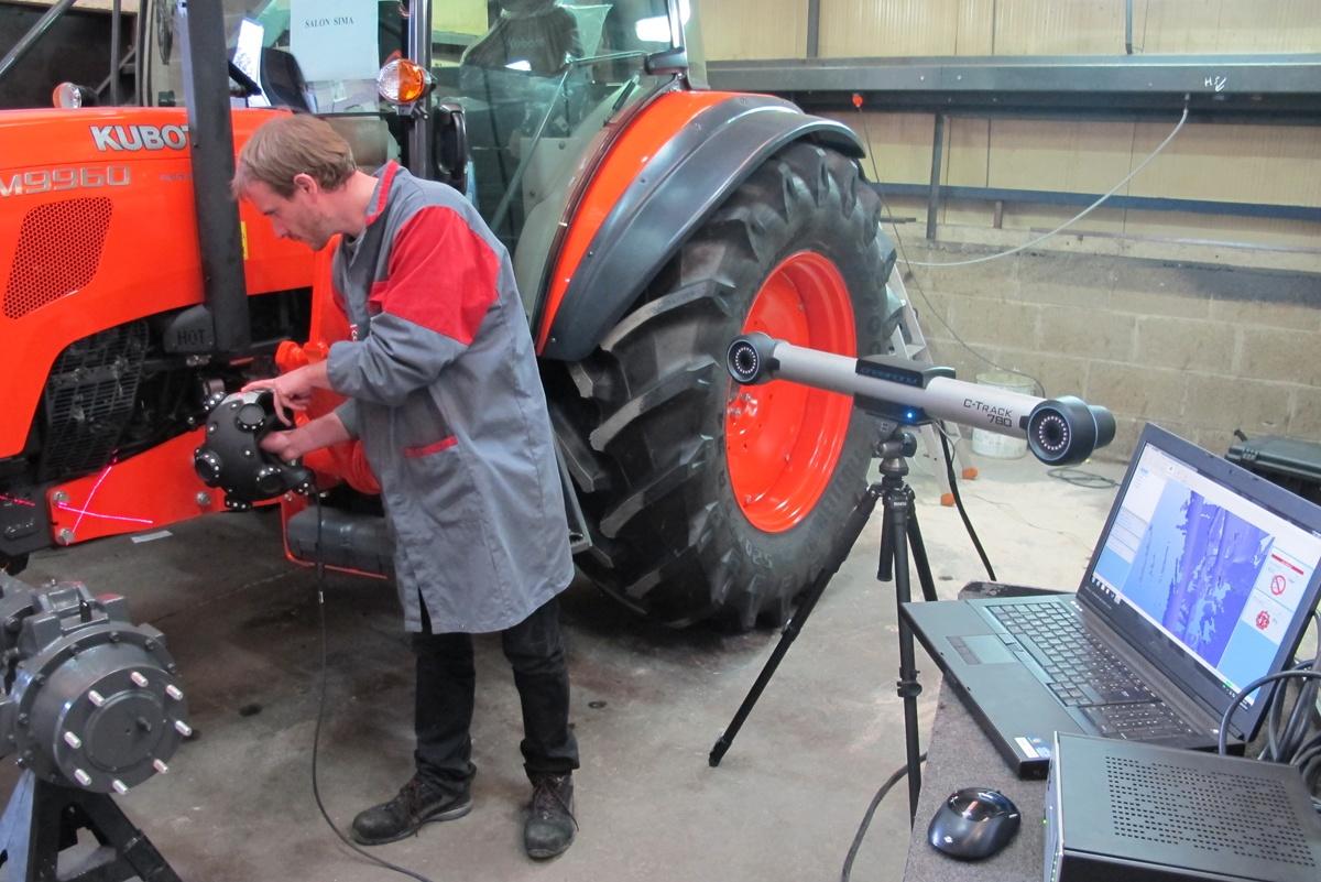 Реверс-инжиниринг трактора с помощью 3D сканера